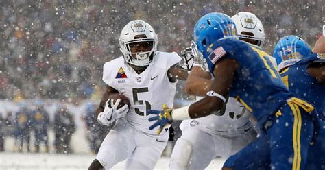 army  navy uniforms  year rivals alternates