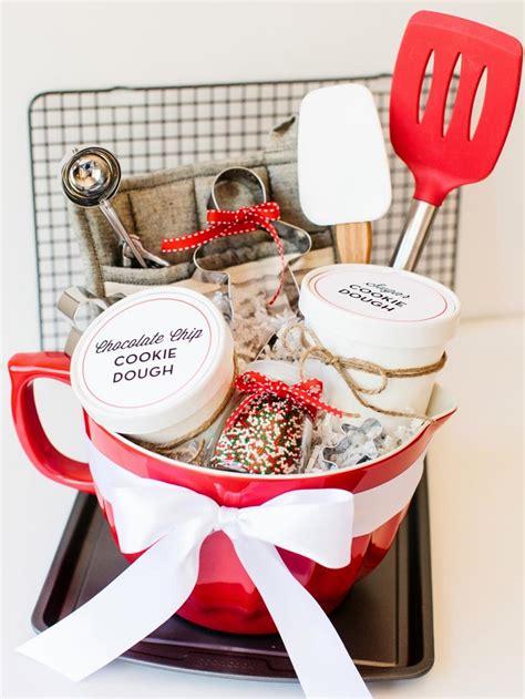 top  diy creative  adorable gift basket ideas top