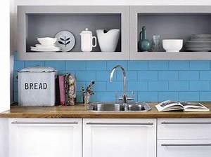 repeindre du carrelage credence cuisine peinture bleu julien With couleur de peinture bleu 9 repeindre un meuble avec une peinture effet metal deco cool