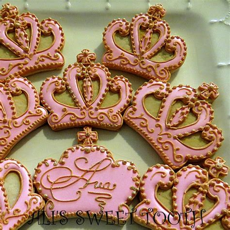 Decorated Crown Cookies by Pin By Renee Solano On Baking Cookies Pinterest
