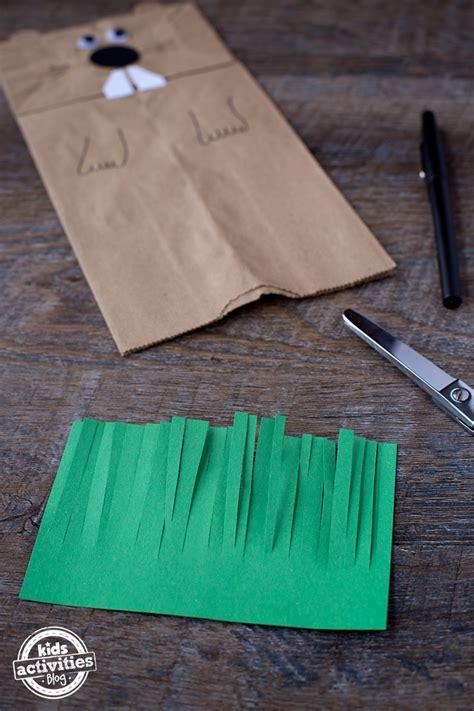 easy  fun groundhog paper bag puppet