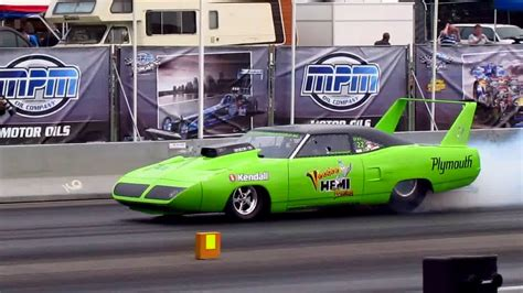 Plymouth Roadrunner Superbird dragster MASSIVE BURNOUT