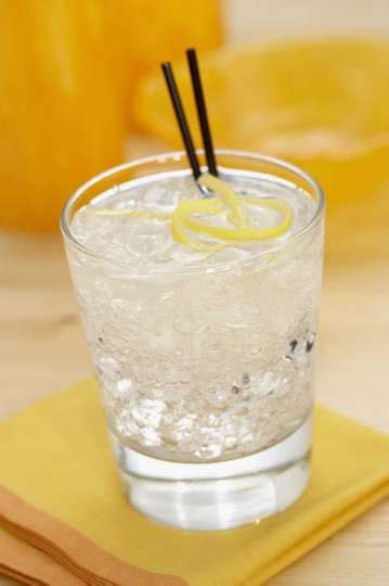 vodka tonic calories vodka and tonic 8 ounces 200 calories photo 5570814