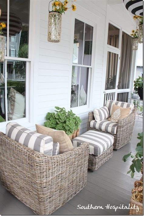 Small Porch Chairs by 25 Best Ideas About Front Porch Seating On