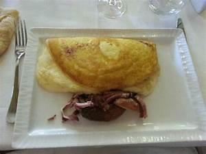 Omelette Mere Poulard : 1st floor dining area picture of la mere poulard mont ~ Melissatoandfro.com Idées de Décoration
