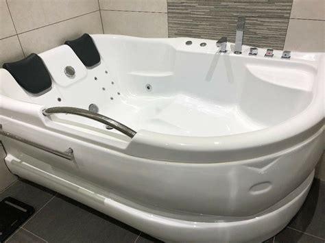 double corner bathtub jacuzzi whirlpool bath