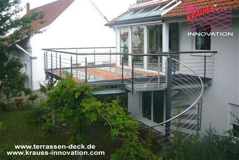 Balkone Und Terrassen by Balkon Terrassen Deck Mit Wendeltreppe Direkt Vom