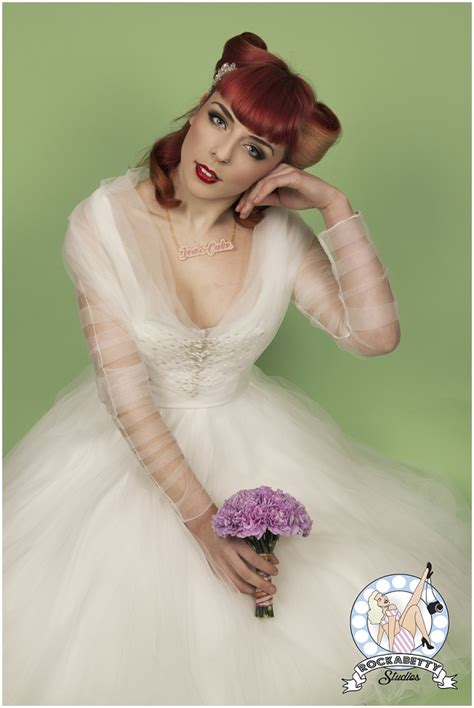 50s Pin Up Bride: Oh My Honey Bridal Fashion