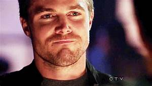 Stephen Amell Arrow GIF - Find & Share on GIPHY