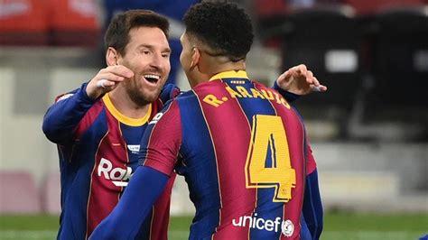 Lionel Messi equals Pele's Santos record in Barcelona draw ...