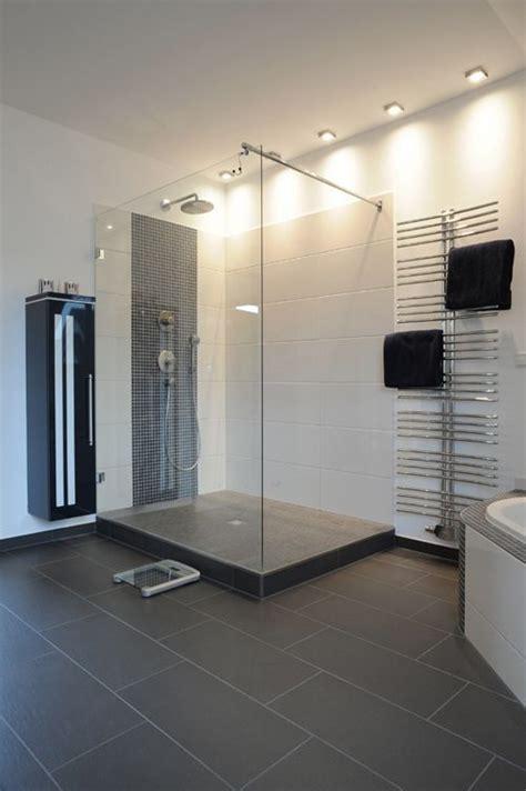 Badezimmer Begehbare Dusche by Begehbare Dusche Mit Glas Und Podest Bad