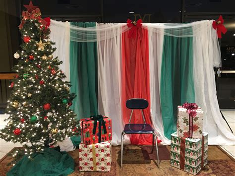 Easy Photo Background Ideas by Diy Easy Santa Photobooth Backdrop Plastic