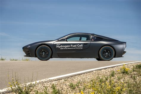 Bmw Hydrogen Fuel Cell by Bmw Shows Hydrogen Fuel Cell Cars I8