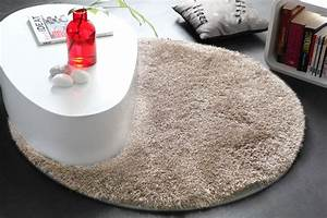 tapis shaggy rond beige 100 cm ugo miliboo With tapis shaggy avec canapé 100 cuir