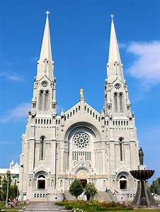 File:Basilica of Sainte-Anne-de-Beaupre in Sainte-Anne-de ...