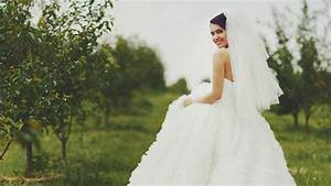 Why wedding dresses are so expensive for How much are wedding photos