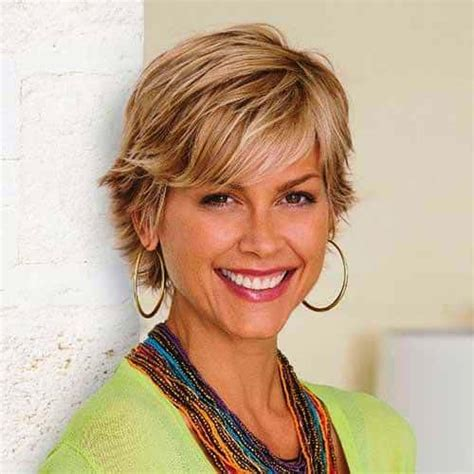 23 Classy Short Hairstyles for Women Over 50 to Look Elegant
