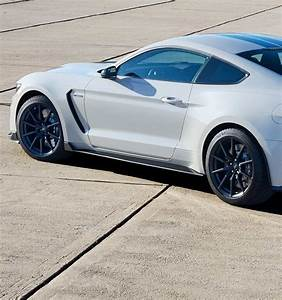 2017 Ford® Mustang Sports Car | #1 Sports Car for Over 45 ...