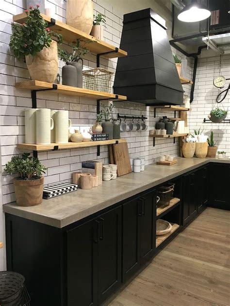 cr馘ence cuisine blanche stunning carrelage cuisine noir mat ideas design trends 2017 shopmakers us