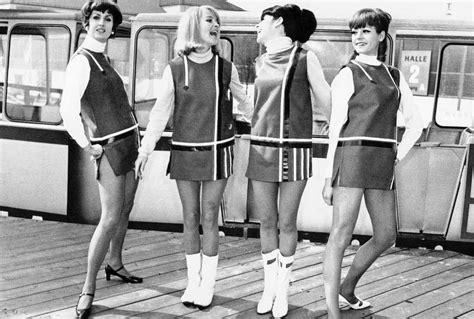 mode der 60er jahre frauen 60er jahre mode die mini mode der 60er jahre gerade geschnittene kleider mit strengen