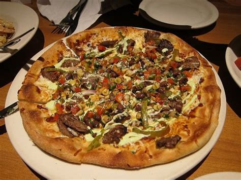 ca pizza kitchen getting about in honolulu travel guide on tripadvisor