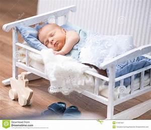 lit bebe nouveau ne With tapis chambre bébé avec fleurs pour deces interflora