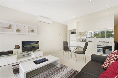 executive studio apartment  north sydney angelo street