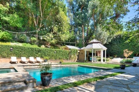 Amazing Backyard Pools In Famous Celebrity Homes Carnahan