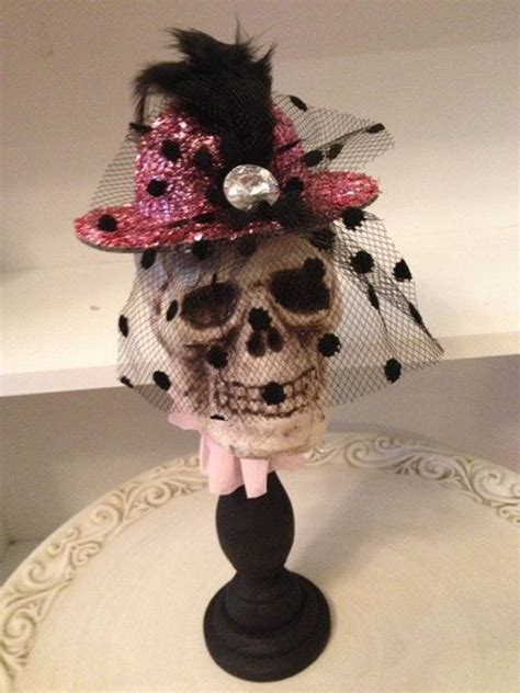 pretty pink skull halloween decor ideas