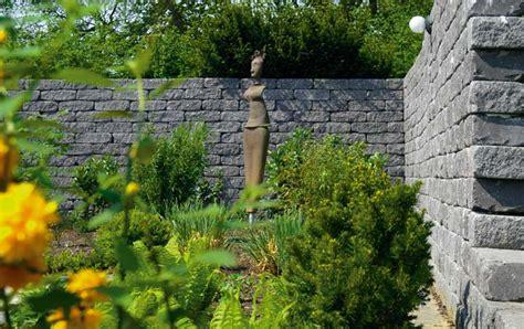 Antike Mauern Im Garten by Siola Antik Mauern Produkte Terrassenplatten