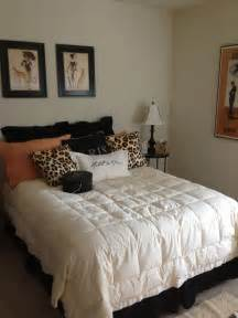 decorating ideas for bedroom with paris and leopard print