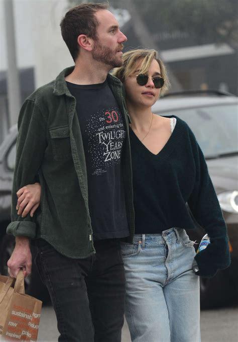 Emilia clarke passionately kisses new boyfriend charlie mcdowell. Emilia Clarke and boyfriend Charlie McDowel: Out in Venice -03   GotCeleb