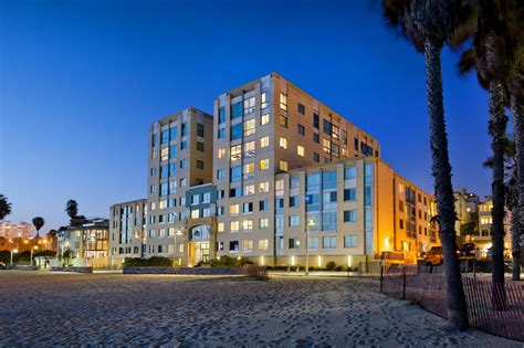 Luxury Santa Monica Apartments