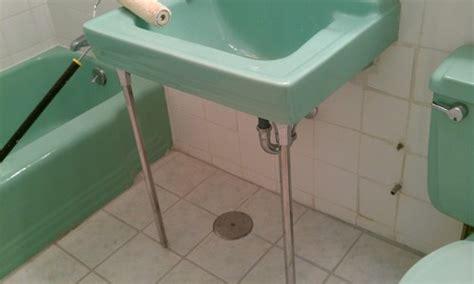retro 60s bathroom decor shall i trash this 60 s green retro bathroom