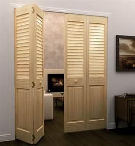 porte persienne une decoration pratique pour votre With porte de placard accordeon