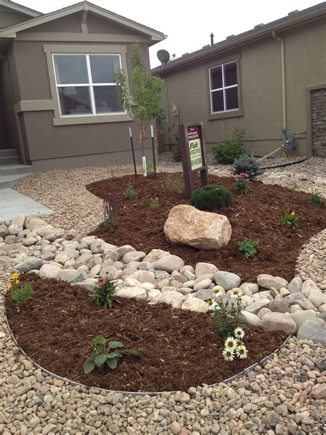 Backyard Landscaping Ideas With Rocks by Front Yard Xeriscape Replace Gravel With Grass Just