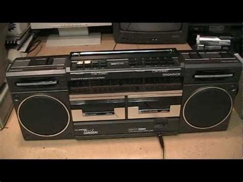 1980s Magnavox Super Tandem D8330 boombox - YouTube