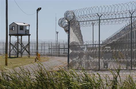 Inmates Take 2 Guards Hostage In Oklahoma Prison Riot Houston Tx