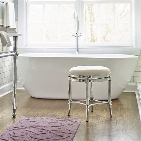 chaise salle de bain 15 idées de chaises confortables pour la salle de bain bricobistro