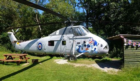 Helicopter Glamping-holiday In A Converted Helicopter