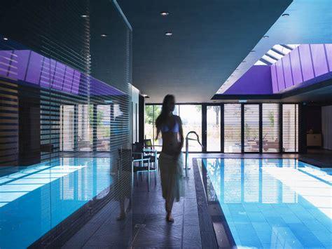 chambres d hotes versailles s 39 offrir un moment de détente au spa dans les yvelines
