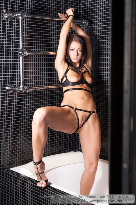 Melisa Mendiny Cage Lingerie