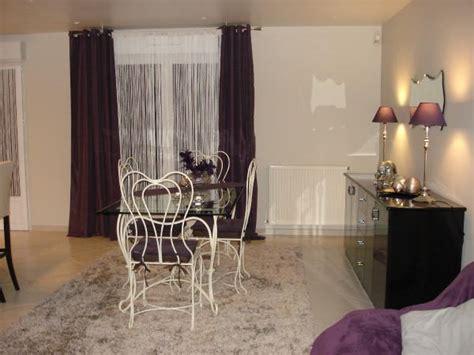 salle a manger photo 2 7 table forg 233 e ivoire et verre rideaux et