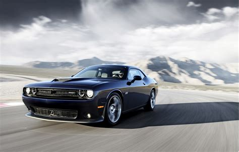 badass challenger badass dodge challenger srt hellcat runs the quarter mile