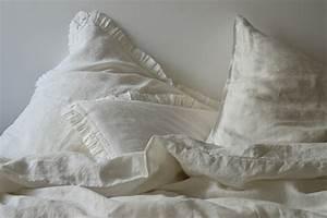 Bettwäsche Weiß Rüschen : leinen bettw sche garnitur madara mit r schen 135x 200 cm wei ~ Orissabook.com Haus und Dekorationen