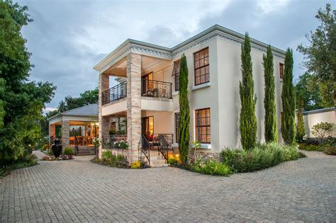 Luxury Upmarket Accommodation In Sommerset West