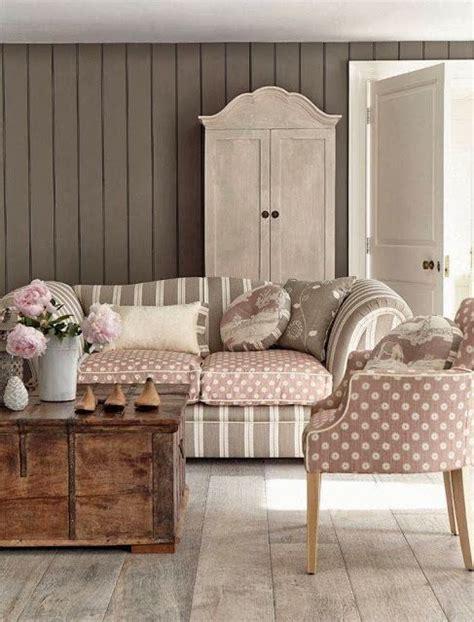 shabby chic on a budget living room decorating ideas on a budget shabby chic living room http myshabbychicdecor