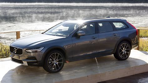 2017 Volvo V90 Cross Country Green 200 Interior And