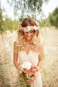 Couronne De Fleurs Mariage Petite Fille : coiffure mariage couronne fleurs ~ Dallasstarsshop.com Idées de Décoration