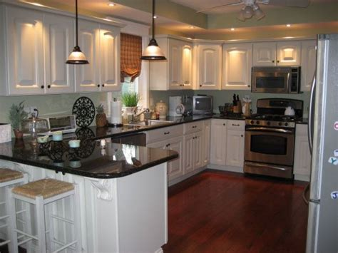 which color is best for kitchen 57 best images about uba tuba granite on oak 2035